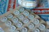 アンティークガラスボタンシート 花形 極薄ブルー