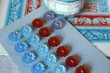 アンティークガラスボタン 花形 ブルー・ライトブルー