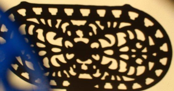 画像4: アンティーク アイアントリベット(鍋敷き) 青 Mサイズ