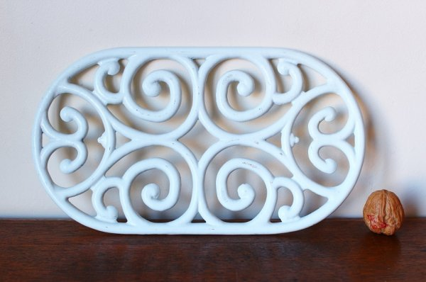 画像3: アンティーク アイアントリベット(鍋敷き) 白 Lサイズ