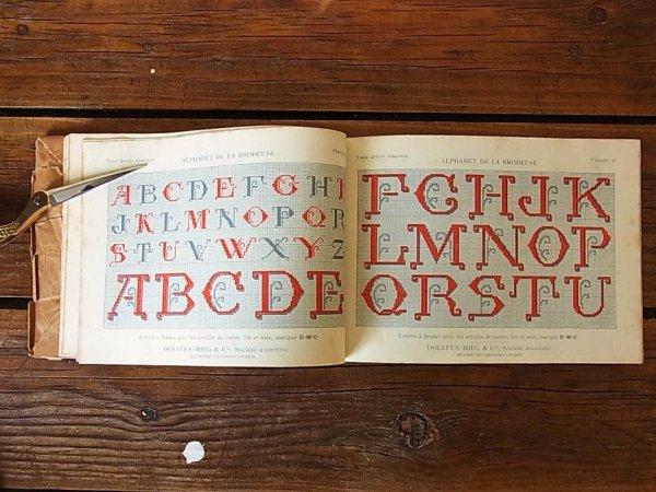 画像3: アンティーク DMC刺繍図案『Alphabet de la Brodeuse』