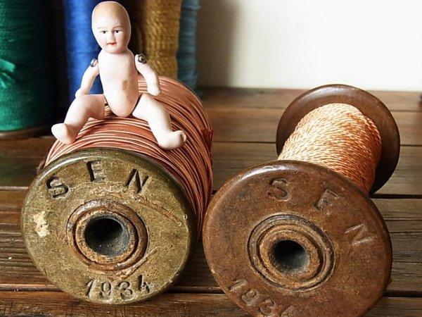 画像1: アンティーク 木製ボビン(糸巻き) SEN 1934