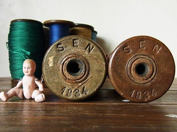 画像2: アンティーク 木製ボビン(糸巻き) SEN 1934