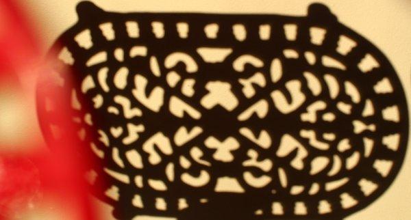 画像4: アンティーク アイアントリベット(鍋敷き) 赤 Sサイズ