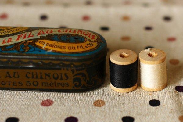 画像1: ベルギー製 極小サイズの糸巻き