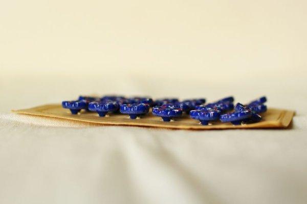 画像4: アンティークガラスボタンシート ネイビーx花